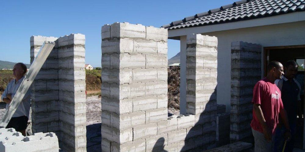 Stumbelbloc - Plastic Brick Mould Specialists