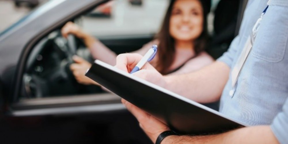 Is It Worth To Avail An Affordable Driving Lesson By Professionals?
