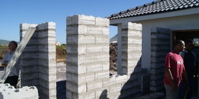 Stumbelbloc - Plastic Brick Mould Specialists