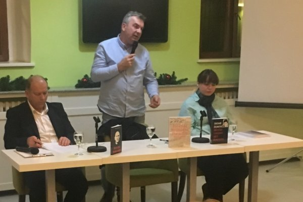 Tihomir Dujmović predstavio svoje dvije knjige u Osijeku