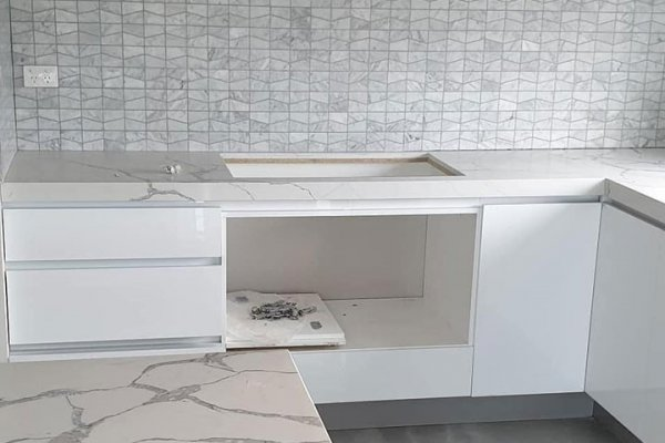 Kitchen Tiling by the Best Tillers of the Industry