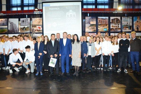 Izložba o agresiji na Osijek otvorena u Budimpešti