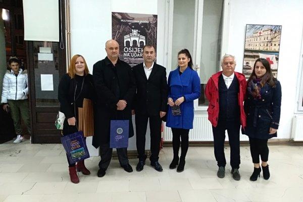 Izložba kao upozorenje i podsjetnik na stradanja industrijske, urbane i kulturne baštine grada Osijeka devedesetih
